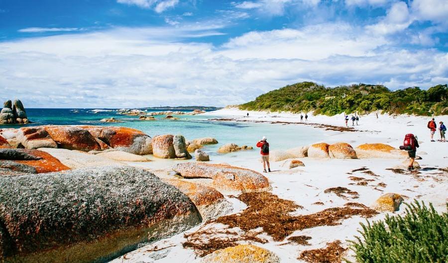 Top 10 epic walks and hikes in Australia Bay of Fires walk Tasmania