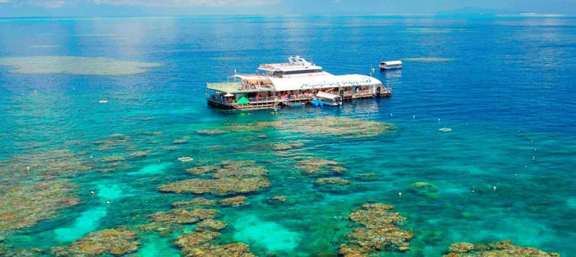 Pontoon Great Barrier Reef