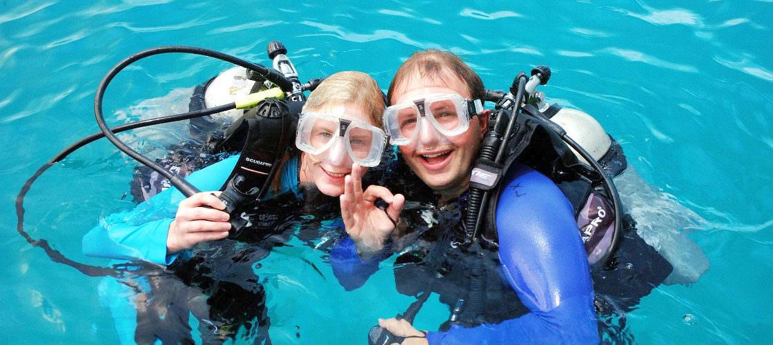 Ocean Spirit passengers diving