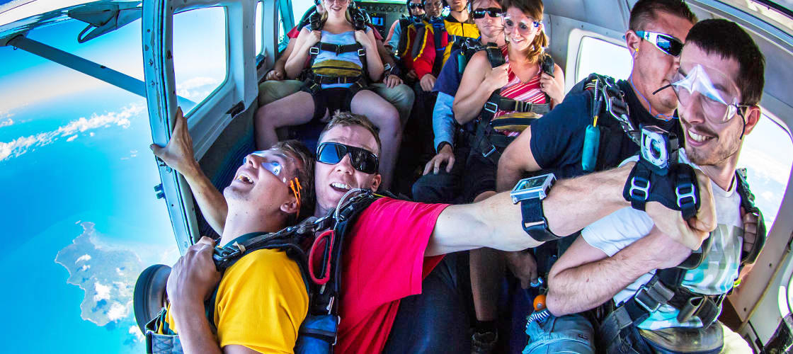 cairns skydiving plane