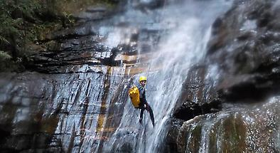 Full Day Guided Abseiling And Canyoning In The Blue Mountains