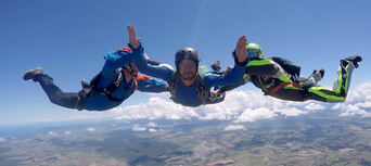 Cairns Tandem Skydive up to 14,000ft Thumbnail 2