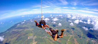 Cairns Tandem Skydive up to 14,000ft Thumbnail 4