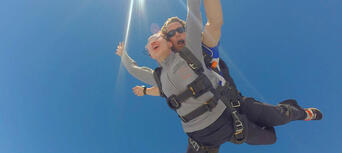 Cairns Tandem Skydive up to 14,000ft Thumbnail 6