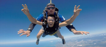 Cairns Tandem Skydive up to 10,000ft Thumbnail 5
