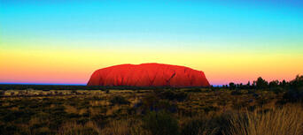 Uluru Morning Guided Base Walk including Breakfast Thumbnail 1
