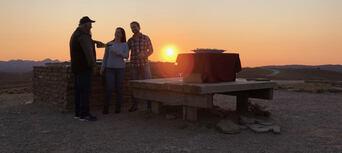 Flinders Ranges 4WD Aboriginal Cultural Sunset Tour Thumbnail 2