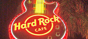 Hard Rock Cafe Surfers Paradise Dining Experience Thumbnail 1