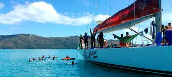 Whitsundays Overnight Sailing Experience Thumbnail 4