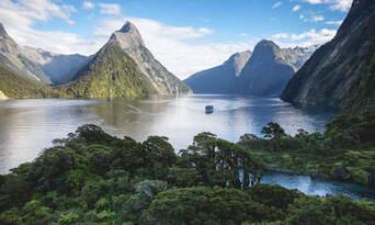 Milford Sound Coach and Cruise Departing Te Anau Thumbnail 2