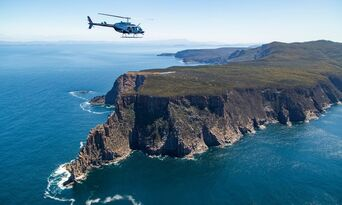 Sea Cliffs and Convicts 15 Minute Helicopter Flight Thumbnail 3