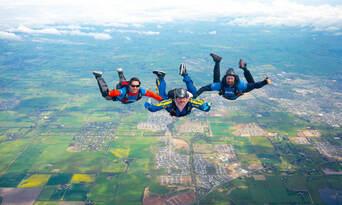 Great Ocean Road up to 15,000ft Tandem Skydive Thumbnail 4