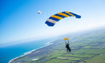 Great Ocean Road up to 15,000ft Tandem Skydive Thumbnail 5