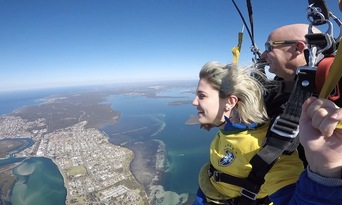 Newcastle up to 15,000ft Tandem Skydive Thumbnail 6