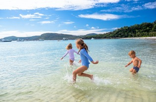 Whitehaven Beach Half Day Afternoon Cruise Thumbnail 1