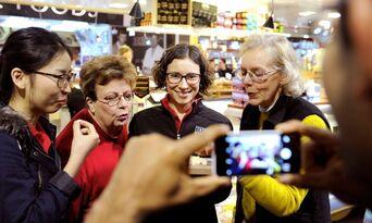 Adelaide Central Market Morning Tour Thumbnail 5