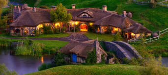 Auckland to Hobbiton Day Tour with Lunch Thumbnail 1