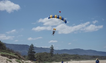 Sydney Wollongong Tandem Skydive up to 15,000ft Thumbnail 6