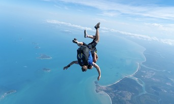 Mission Beach Tandem Skydive up to 15,000ft Thumbnail 1