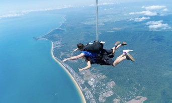 Mission Beach Tandem Skydive up to 15,000ft Thumbnail 5
