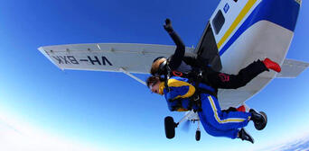 Melbourne Tandem Skydiving up to 15,000ft Thumbnail 2