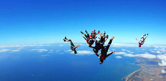 Melbourne Tandem Skydiving up to 15,000ft Thumbnail 3