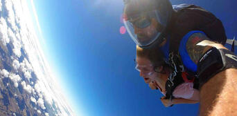 Melbourne Tandem Skydiving up to 15,000ft Thumbnail 5