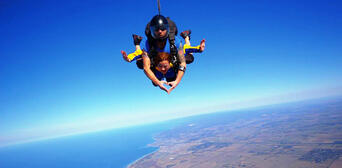 Melbourne Tandem Skydiving up to 15,000ft Thumbnail 6