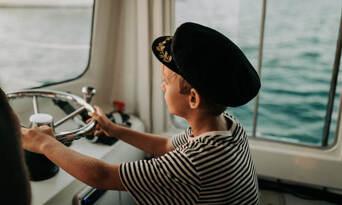 Mooloolaba Seafood Lunch Cruise and SEA LIFE Sunshine Coast Combo Thumbnail 1