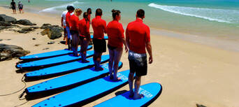 Double Island Point Surfing Lesson from Noosa Thumbnail 4