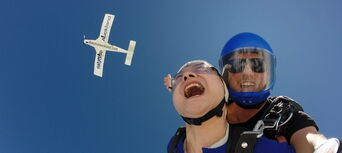 Auckland Skydiving Thumbnail 2
