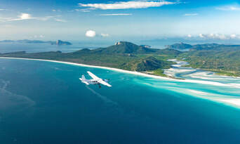 Whitsundays and Great Barrier Reef 60 Minute Scenic Flight Thumbnail 1