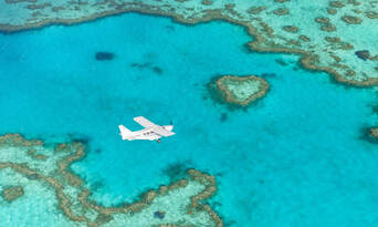 Whitsundays and Great Barrier Reef 60 Minute Scenic Flight Thumbnail 2