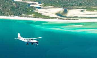 Whitsundays and Great Barrier Reef 60 Minute Scenic Flight Thumbnail 5