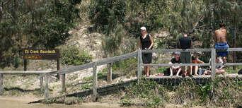 Overnight 4WD Resort Tour On Fraser Island Thumbnail 2