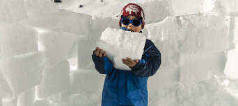 Snowshoeing in Queenstown Thumbnail 4