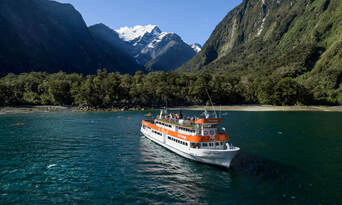 Milford Sound Cruise and Coach Tour from Queenstown Thumbnail 3