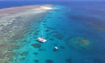 Outer Great Barrier Reef Sailing Cruise Thumbnail 1