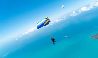Whitehaven Beach Skydiving Thumbnail 3