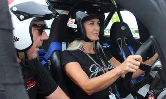 V8 Supercar 5 Lap Driving Experience Thumbnail 2