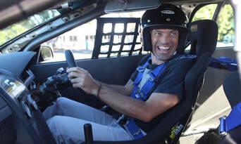 V8 Supercar 10 Lap Drive + 2 Lap Ride Experience Thumbnail 2