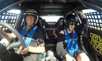 V8 Supercar 10 Lap Drive + 2 Lap Ride Experience Thumbnail 4