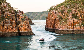 Horizontal Falls Overnight Seaplane Flight and Boat Tour from Derby Thumbnail 1
