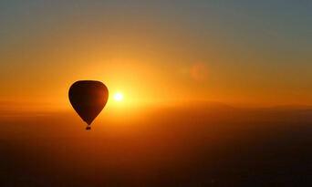Hot Air Ballooning in Launceston & Northern Tasmania Thumbnail 3