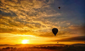 Hot Air Ballooning in Launceston & Northern Tasmania Thumbnail 1