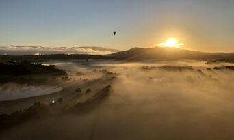 Hot Air Ballooning in Launceston & Northern Tasmania Thumbnail 4