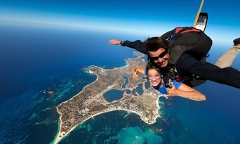 14,000ft Tandem Skydive over Rottnest Island Thumbnail 1