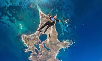 14,000ft Tandem Skydive over Rottnest Island Thumbnail 3