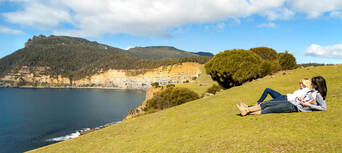 Wineglass Bay and Wildlife Tour with Scenic Flights from Hobart Thumbnail 3