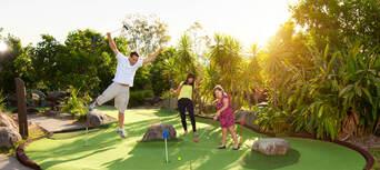 Victoria Park 18 Holes Mini Golf Thumbnail 1